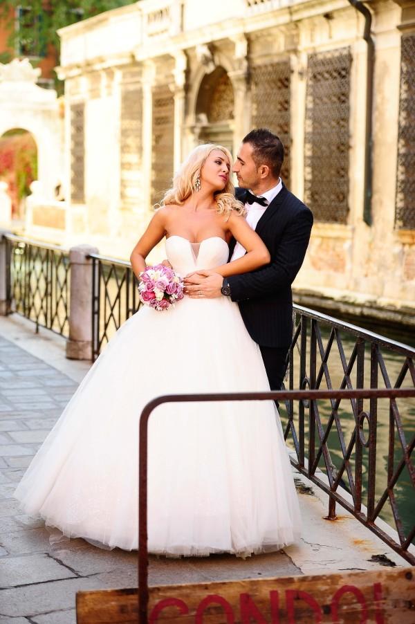 shooting in Venice,fotograf de nunta craiova, fotograf de eveniment, fotograf de botez, sedinte foto, trash the dress, after wedding, nunta, wedding
